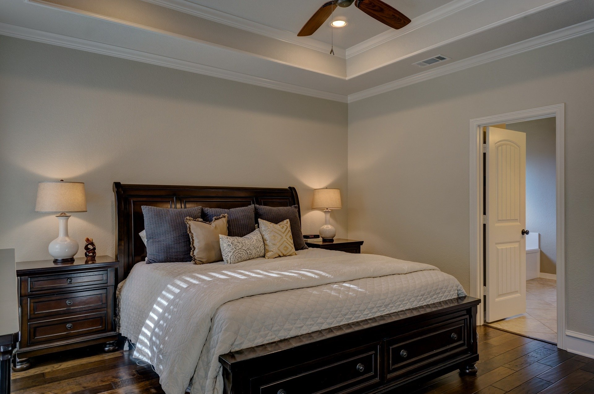 Iluminación Clásica de Dormitorio