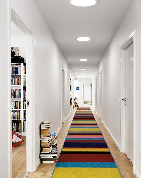 Iluminación de pasillos anchos