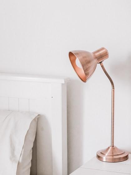 Lámpara sobremesa para dormitorio matrimonio